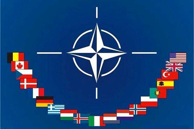 1951 - Türkiye'nin NATO'ya katılmasıyla ilgili protokol, Londra'da imzalandı.
