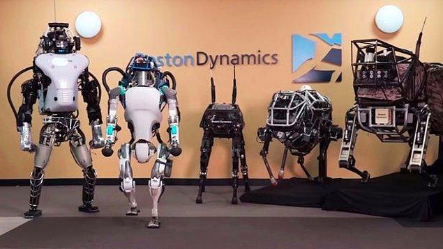 Robotların koşmasına, zıplamasına, tıpkı insanlar gibi hareket etmesine her seferinde şaşırsakta aslında verilerimizi sunduğumuz küçücük şeyler de büyük tehdit oluşturmakta.