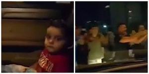 Beyrut'ta Protestocuların Korkan Çocuğu Rahatlatmak İçin Topluca 'Baby Shark' Şarkısını Söylediği Neşeli Anlar