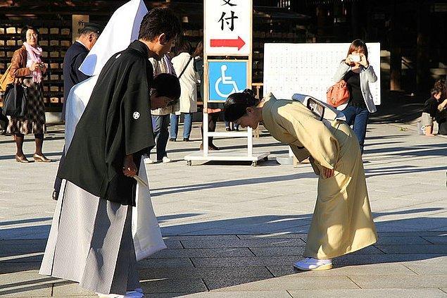 5. Japon dili tamamen kibarlık üzerine kurulu bir dil.