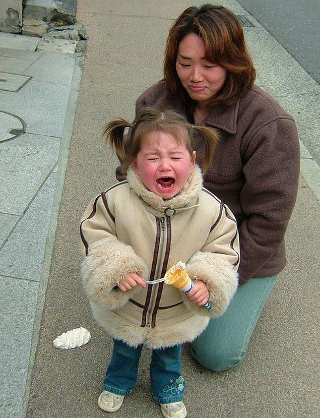 10. Çocuklara uygulanan fiziksel şiddet yasalar ile yasaklandı.