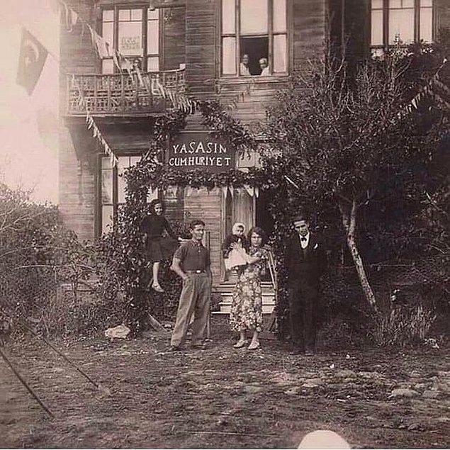 14. Caddebostan'da bir ev, İstanbul, 1933.