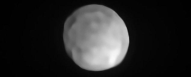 """Bu hafta keşiflere ve güzel haberlere doyamadık... Astronomlar, Güneş Sistemi'nde yeni """"Cüce Gezegen"""" keşfetti!"""
