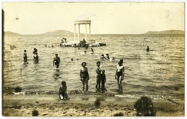 15. Süreyya Plajı, İstanbul, 1950.