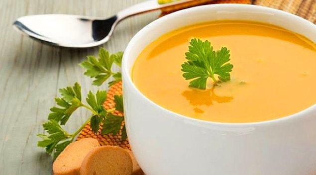 Mercimek çorbası için gereken malzemeler: