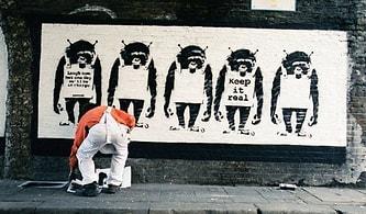 Gerçekten Banksy mi? Sanatçıya Ait Olduğu İddia Edilen Fotoğraflar Eski Menajeri Tarafından Yayımlandı