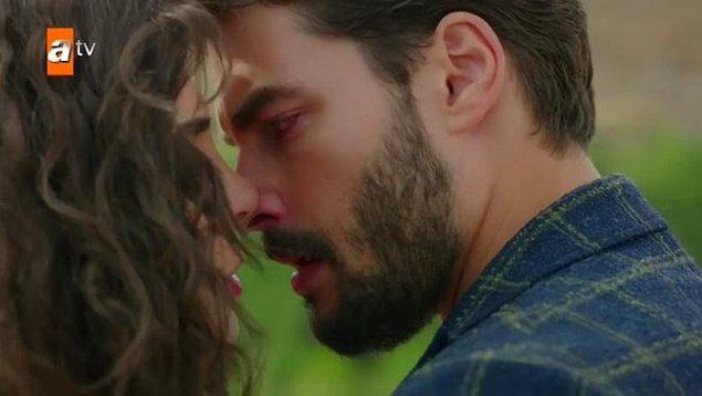 Televizyon ekranlarında cuma günleri en çok izlenen diziler arasında yer alan Hercai'deki öpüşme sahnesi sosyal medyaya damga vurdu.