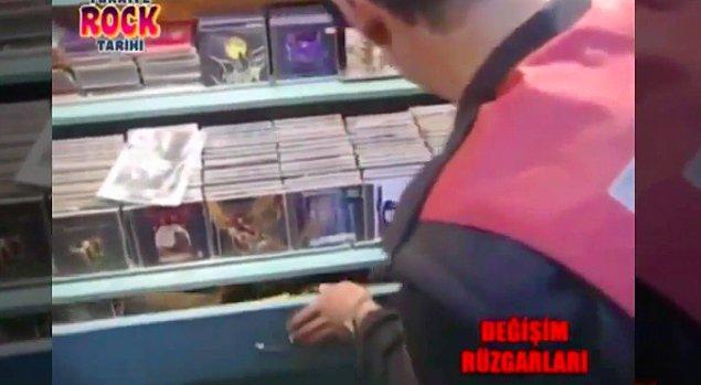 Polis pasaja gittiğinde rock gruplarının kasetlerini karıştırarak satanizm delili aramış. Basın da pasajdan, 'genellikle satanistlerin gittiği yer' olarak bahsetmiş.