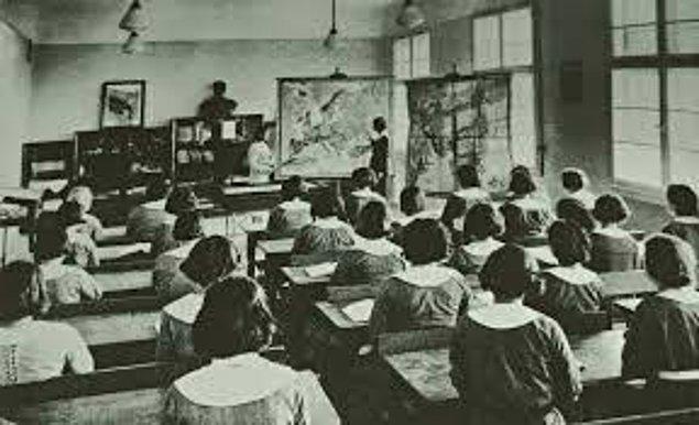 1908 - Kız çocuklarının eğitimi için çalışacak olan Cemiyet-i Hayriye-i Nisvaniye, Selanik'te Zekiye Hanım tarafından kuruldu.