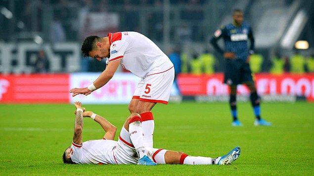 Fortuna Düsseldorf'un sahasında Köln'ü 2-0 yendiği karşılaşmada milli oyuncumuz Kaan Ayhan 90 dakika sahada kaldı ve takımının attığı 2. golde 60 metrelik inanılmaz bir pasla asiste imza attı.
