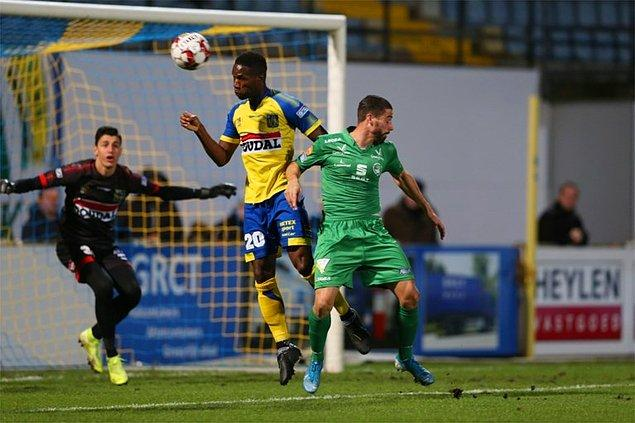 Belçika 2.Ligi'nde KVC Westerlo forması giyen Berke Özer takımının Lommel United ile 1-1 berabere kaldığı karşılaşmada takımının kalesini korudu.