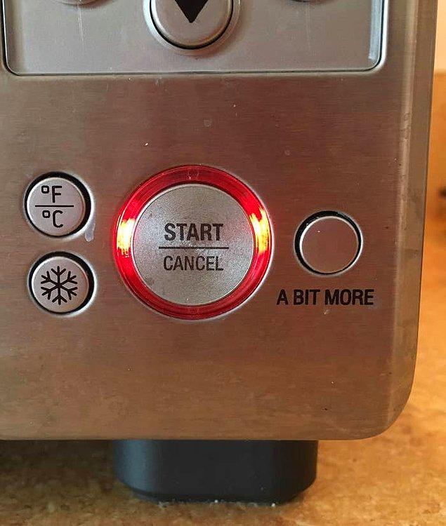 1. Ekmeğinizi sadece 'birazcık' kızartma isteğinize tam anlamıyla hizmet eden buton. 🖲