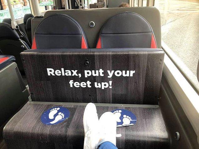 13. Yolcuların ayaklarını koltuğa uzatmamaları için otobüslere yapılan tahta aparat. 🚌