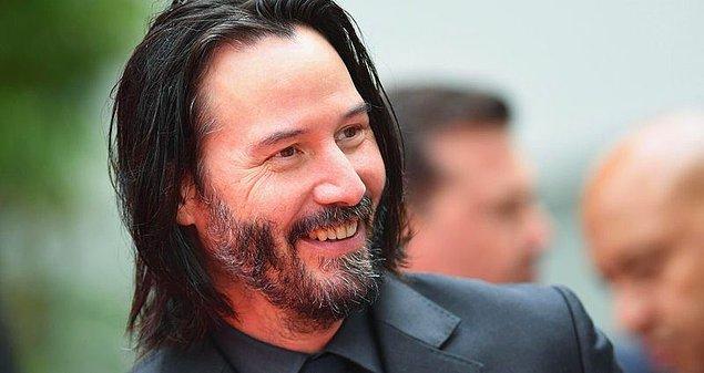 Ünlü oyuncu Matrix filmiyle akıllardan çıkmayan Keanu Reeves sevgilisi Alexandra Grant ile ilk kez görüntülendi.