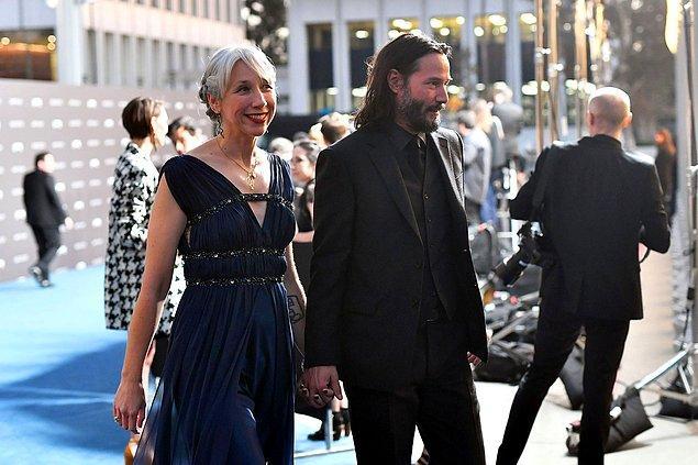 """Kanadalı aktörü yeni sevgisiyle gören herkes """"Keanu Reeves'in sevgilisi Alexandra Grant kimdir, kaç yaşında?'' gibi soruları merak ediyor."""
