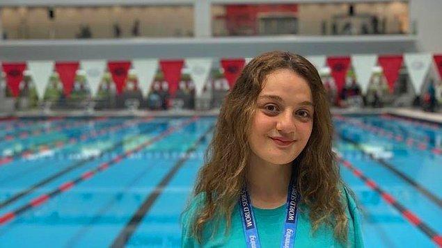 1. Sümeyye Boyacı (16) – Sporcu, Yüzme