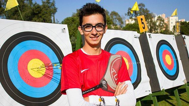 16. Mete Gazoz (20) – Okçuluk Sporcusu