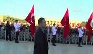 Atatürk İçin Anıtkabir'de Düzenlenen Devlet Töreni Sırasında 'Recep Tayyip Erdoğan' Sloganları Atıldı