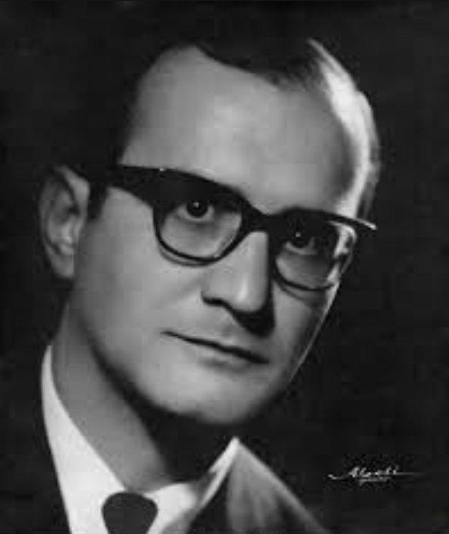 Türkiye'nin siyasi ve düşün hayatında iz bırakan isimlerden biri olan Prof. Dr. Mümtaz Soysal, 15 Eylül 1929'da Zonguldak'ta doğdu.