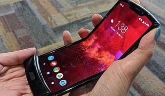 Kapaklı Telefonlar Geri mi Geliyor? Efsane Telefon Motorola Razr'ın Katlanabilir 2019 Modeli Tanıtıldı