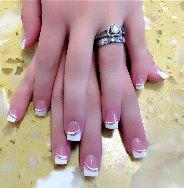 Doğal olarak kalın olan parmakları inceltmek veya yamuk eklemleri düzeltmek için de photoshop tercih ediliyor.