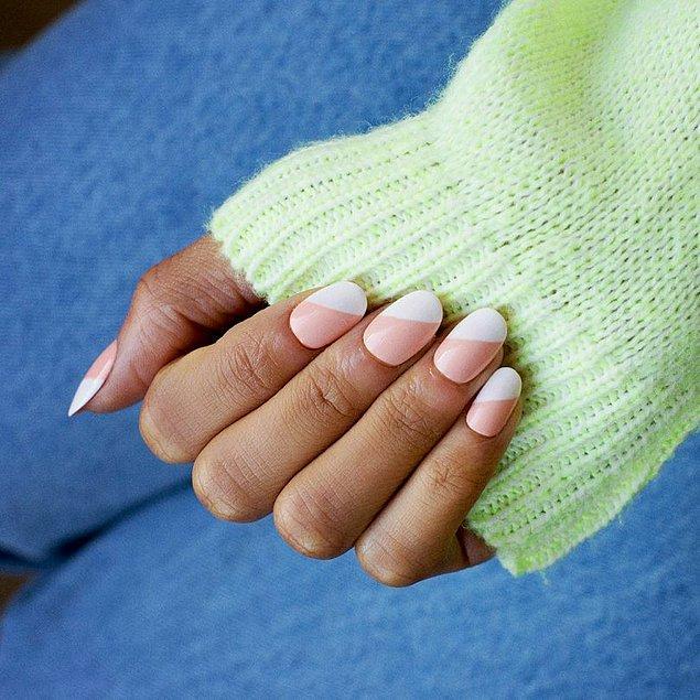 Kırışıklık, koyu renk fazlaysa daha bol su içmeli; ellerinizi bakım kremleri, yağları ile iyice nemlendirmelisiniz.