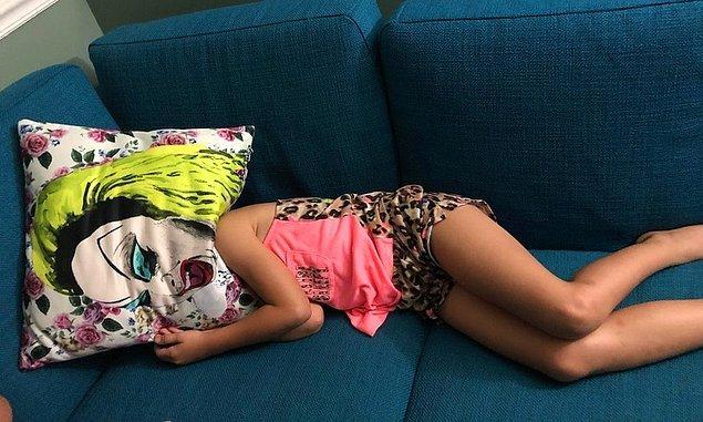 """11. """"Kızım öfke nöbeti geçiriyordu ve yüzünü yastığın altına sakladı. Sonuç;"""""""
