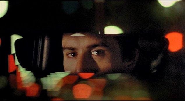 """11. """"Dün öğleden sonra her kısa etekli kız hakkında yorum yapan bir taksi şoförü vardı. İşte o tiplerden uzak durmak lazım."""""""