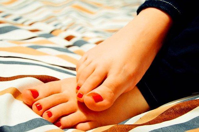 1. Ayak nasırların oluşmasını önler: