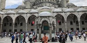 İstanbul'da Sabah Ezanına 'Mesai' Ayarı: Namaz, Ezandan Yarım Saat Sonra Kılınacak