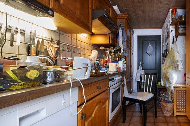 Yemek işi bittikten sonra mutfak savaş alanına dönmüştür.