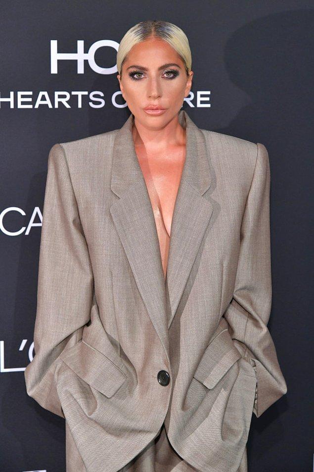 3. Oversize kıyafetler.
