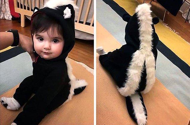 """9. """"En yakın arkadaşım, çocuğumun ilk Cadılar Bayramı için bir kokarca kostümü yaptı."""""""