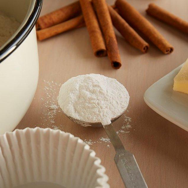 4. Kabartma tozunuzun topaklanmasına izin vermeyin. Topaklandığı zaman yaptığınız yemek mahvolur.