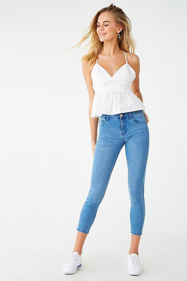 12. Kısa paçalı dar pantolonlar.