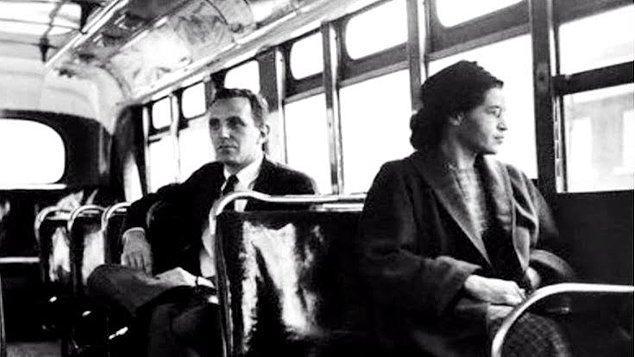 1955 - Montgomery, Alabama'da (ABD) Rosa Parks adındaki zenci kadın, otobüste yerini beyaz adama vermediği için tutuklandı.