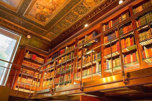 """5. """"Çoğu insanın bilmediği bir şeyi: Bir kütüphanedeki tüm kitaplıkları almak istiyorlar..."""