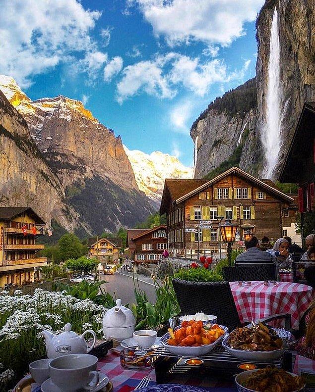 11. İsviçre'de şöyle bir manzarada güne başlamak desem?
