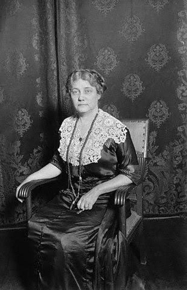 Gazeteciliğe geri dönen Bly, Birinci Dünya Savaşı'nda Avrupa'nın Doğu Cephesi'ndeki aktivitelerle ilgili yazmaya başladı.
