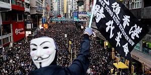 Hong Kong'da Yüz Binler Yine Sokaklarda: 'Daha Fazla Demokrasi, Daha Fazla Özgürlük'
