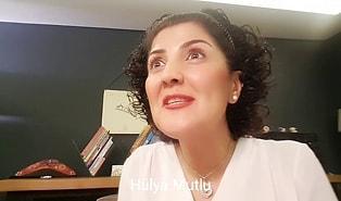 Plaza Dili Konuşarak Türkçe'yi Katleden İnsanları Ti'ye Alan Hülya Mutlu'dan Muhteşem Parodi Video!