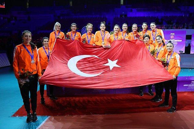 2 dünya şampiyonluğu bulunan bu turnuvada da finale yükselen takımımız final maçında rakibine 3-1 yenilerek ikinciliğin sahibi oldu.