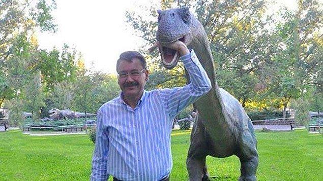 """Otobüs alacaklarına dinozor almışlar."""