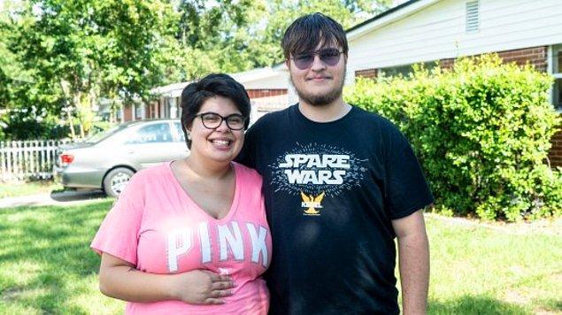 İlk partneri 18 yaşında olan Marc ile lisede tanışmış...