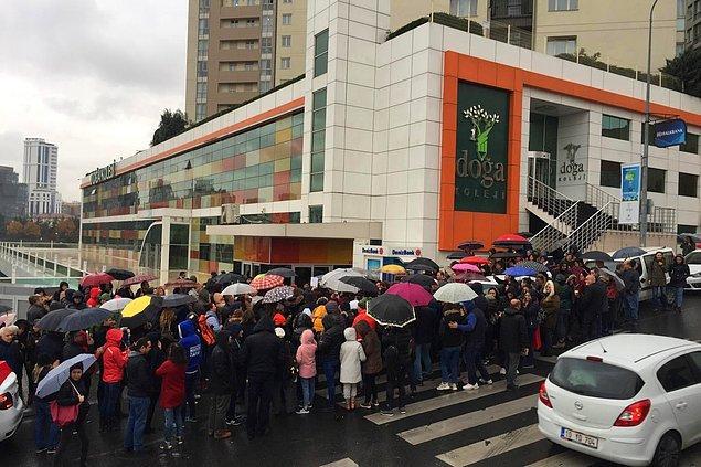 Öte yandan öğrenci velileri de bugün protestodaydı.