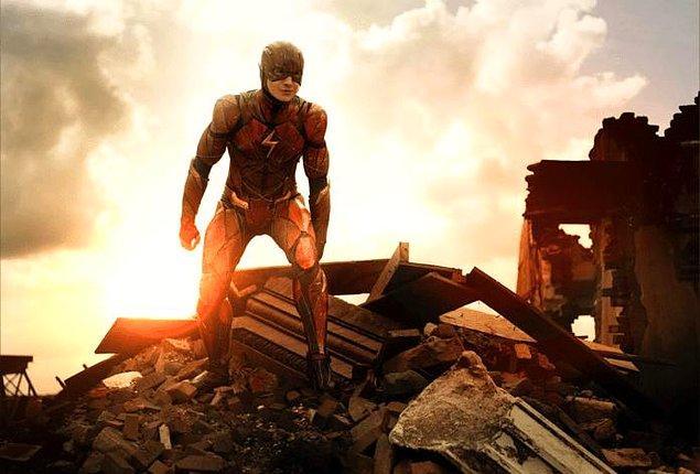 1. The Flash filminin, 1 Temmuz 2022'de vizyona gireceği açıklandı.
