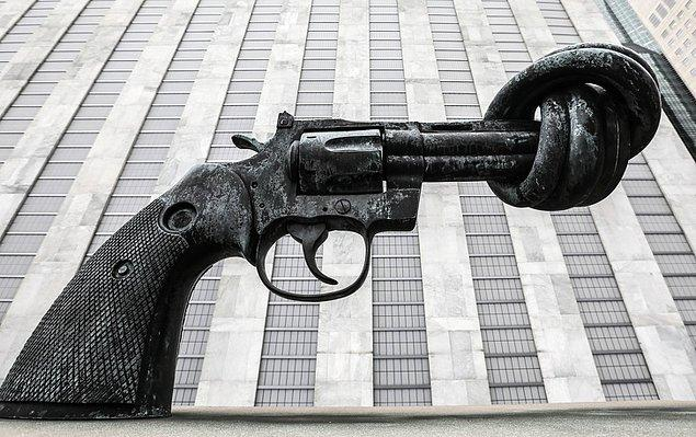 3. Knotted Gun/ Düğümlü Tabanca