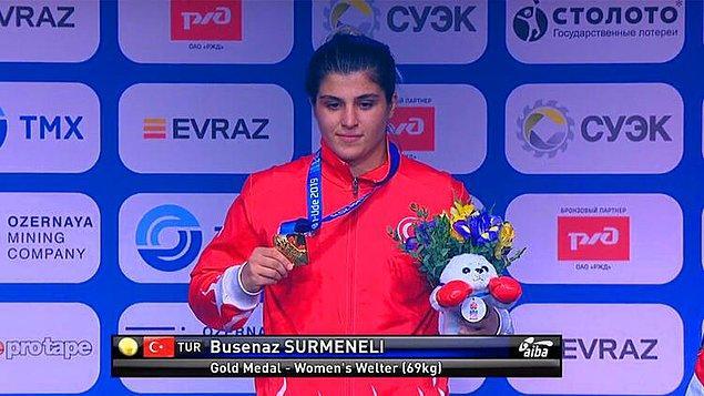 14. Dünya şampiyonu milli boksör Busenaz Sürmeneli'nin, kendisiyle birlikte Kovid-19'u yenen Balkan şampiyonu ikiz kardeşi ve babası immün plazma bağışçısı oldu.