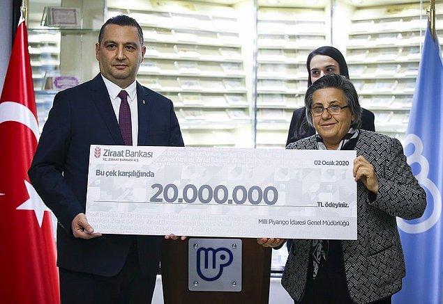 Dörde bölünen ikramiyeye ortak olan Gaziantep ve Bursa talihlileri paralarını aldı, İzmir'deki talihli henüz ortaya çıkmazken son ikramiye ise İstanbul'da satılmayan bir bilete isabet etti.