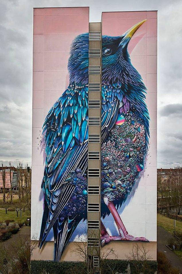 16. Berlin'de bulunan bu binaya aşık olmamak elde değil.